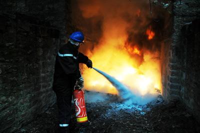 extincteur-flammes